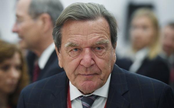 """გერმანიის ყოფილი კანცლერი """"როსნეფტის"""" დირექტორთა საბჭოს თავმჯდომარედ ხელახლა აირჩიეს"""