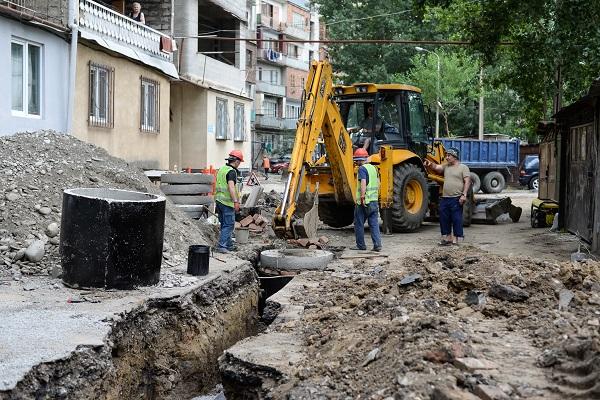 ნაძალადევის რაიონში მიწისქვეშა კომუნიკაციების რეაბილიტაცია 8 კორპუსში მიმდინარეობს