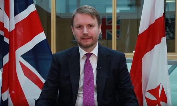 """დიდი ბრიტანეთის ელჩი საქართველოში, გიორგი გახარიას  გლობალურ სამიტში მონაწილეობას """"ტვიტერზე"""" ეხმაურება"""