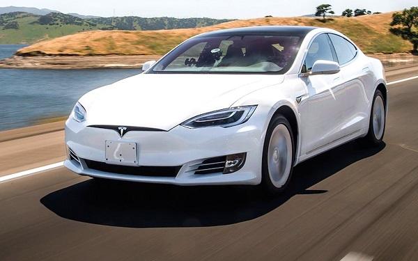 """""""გირჩი"""" მათთვის, ვინც საპარლამენტო არჩევნებში მონაწილეობას მიიღებს, """"Tesla""""-ს ავტომობილებს გაათამაშებს"""