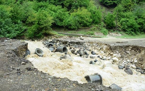 უხვი ნალექის შედეგად ადიდებულმა მდინარეებმა - ჯრუჭულამ, ფასკნარამ და მოხურამ ცხომარეთის ადმინისტრაციულ ერთეულში პრობლემები შექმნა