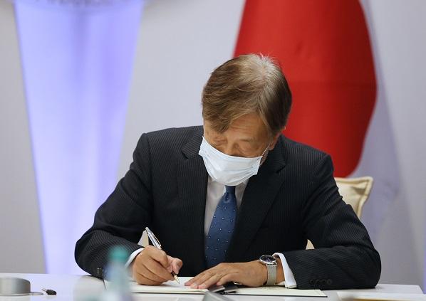 დღეს, ვხედავთ შთამბეჭდავი და შესანიშნავი წარმატების ისტორიას, თუ როგორ ებრძვის საქართველო პანდემიას - იაპონიის საგანგებო და სრულუფლებიანი ელჩი საქართველოში