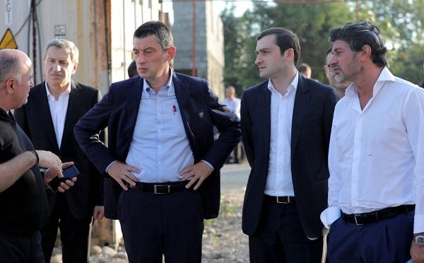 """""""ქართული ოცნების"""" ლიდერებმა  ბათუმში, ე.წ. """"ოცნების ქალაქის"""" მიმდინარე მშენებლობა დაათვალიერეს"""