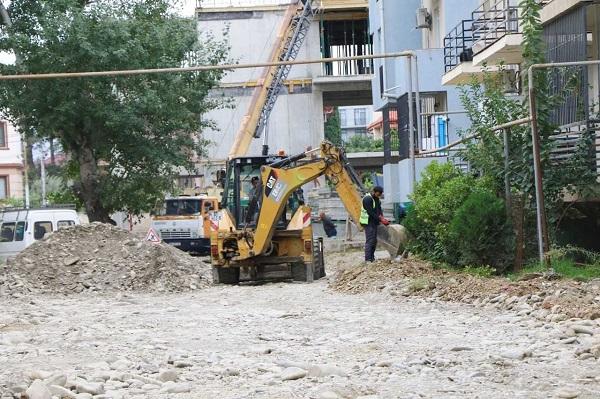ტერევერკოს ქუჩის პირველ შესახვევში საგზაო სამუშაოები მიმდინარეობს