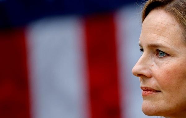 აშშ-ის სენატმა უზენაესი სასამართლოს მოსამართლედ ემი კონი ბარეტი დაამტკიცა