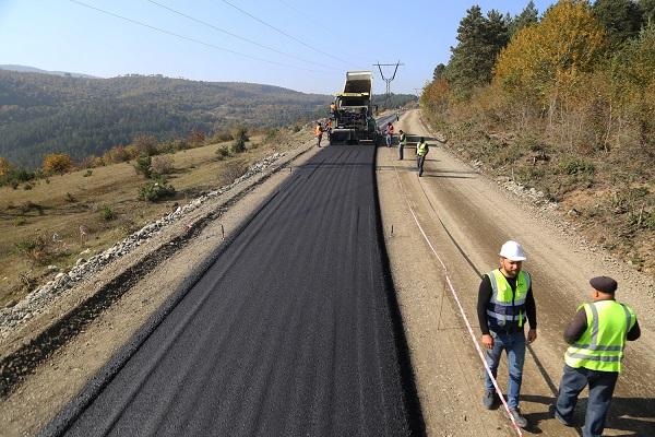 ძირულა-ხარაგაული-მოლითი-ფონა-ჩუმათელეთის 50 კმ-იანი გზის მშენებლობა აქტიურად მიმდინარეობს