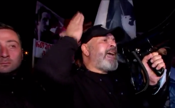 """ორშაბათიდან დაიწყება პიკეტირება """"ნაციონალური მოძრაობისა"""" და მისი ანასხლეტების - """"ქართული მარში"""" ნიკა მელიას საარჩევნო შტაბთან აქციას მართავს"""