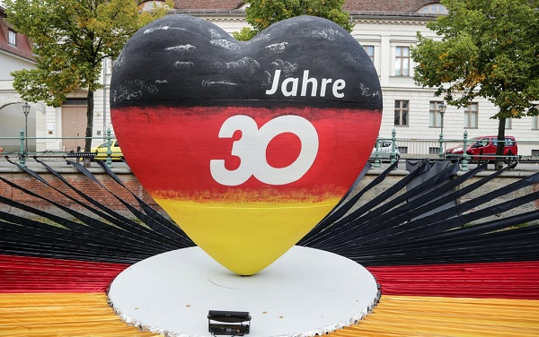 გერმანია გაერთიანების 30-ე წლისთავს ზეიმობს
