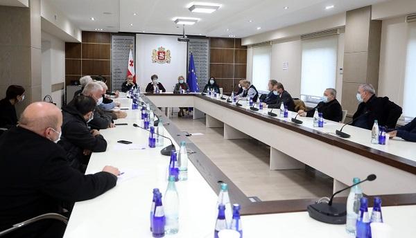 პრემიერ - მინისტრის დავალებით, მთავრობის ეკონომიკური გუნდი, ვიცე-პრემიერ მაია ცქიტიშვილის ხელმძღვანელობით, ბაზრობების წარმომადგენლებს შეხვდა