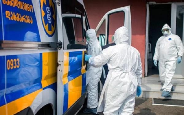 ბათუმის რესპუბლიკური საავადმყოფოს მესამე სართულიდან 73 წლის მამაკაცი გადმოვარდა