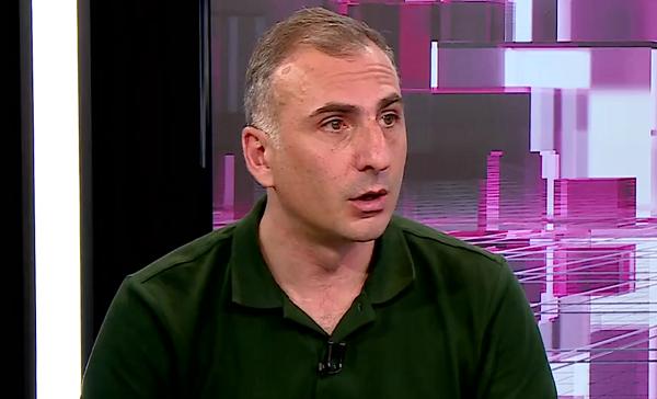 """თუ გვინდა, რომ """"ქართული ოცნება"""" დავამარცხოთ, ოპოზიცია პარლამენტში უნდა შევიდეს - ალეკო ელისაშვილი"""