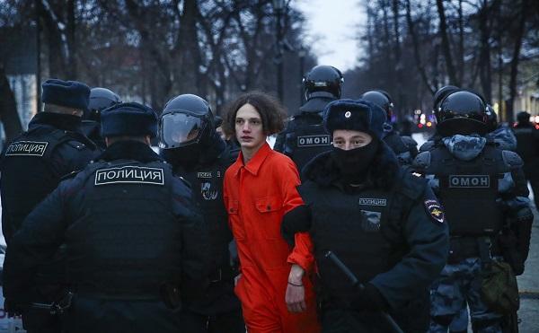 რუსეთში ნავალნის გათავისუფლების მოთხოვნით გამართულ აქციებზე 2 250-მდე ადამიანი დააკავეს