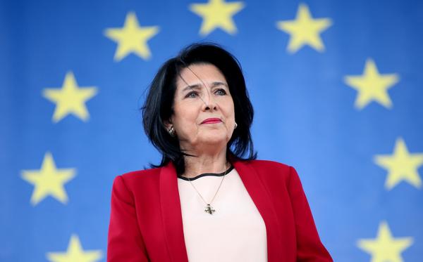 პრეზიდენტი ბრიუსელში ევროკავშირისა და ნატო-ს ლიდერებთან გამართავს შეხვედრებს