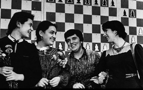 """""""დიდება დედოფალს"""" - 9 იანვარს ლეგენდარული ქართველი მოჭადრაკე ქალების შესახებ გადაღებული დოკუმენტური ფილმის ონლაინჩვენება გაიმართება"""