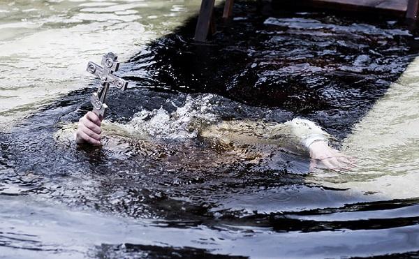 პანდემიის გამო, ბათუმში ნათლისღებას ზღვაში განბანვის რიტუალი არ შესრულდება