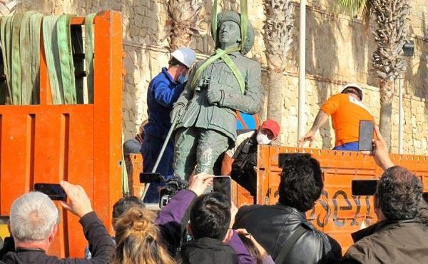 ესპანეთში დიქტატორ ფრანკოს უკანასკნელი ქანდაკება აიღეს