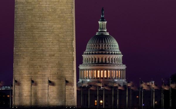 აშშ-ის კონგრესმა 1.9-ტრილიონიანი ეკონომიკური დახმარების პაკეტი დაამტკიცა და პრეზიდენტს გადაუგზავნა ხელმოსაწერად