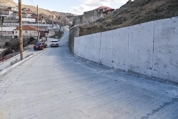 ნაძალადევის რაიონში, ლომთათიძის ქუჩის გრუნტიან მონაკვეთზე ბეტონის გზა მოეწყო