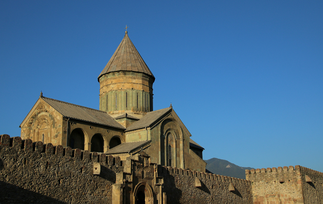 საქართველოს მართლმადიდებლური ეკლესია ავტოკეფალიის აღდგენის დღე აღნიშნავს