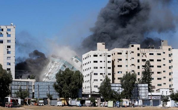 ღაზაში ისრაელის ავიაიერიშის შედეგად დაინგრა შენობა, სადაც განთავსებული იყო საერთაშორისო მედიის ოფისები