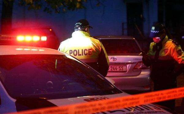 თბილისში პოლიციის განყოფილებიდან კაცი გადმოვარდა