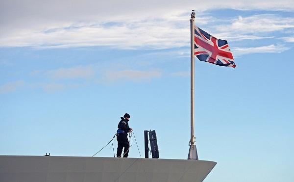 ბათუმის პორტში ბრიტანული სამხედრო გამანადგურებელი ხომალდი HMS Defender შემოვა