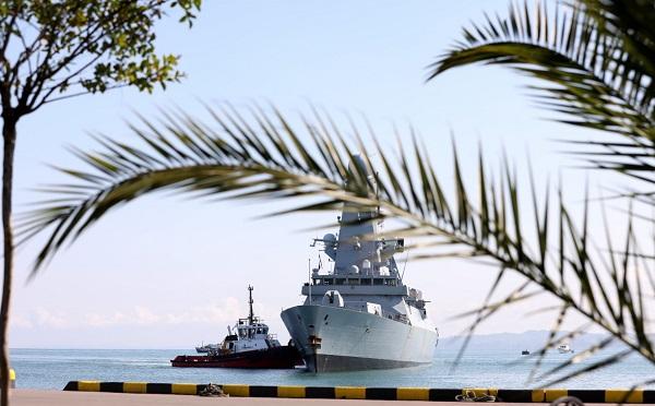 ბრიტანული სამხედრო ხომალდი HMS DEFENDER საქართველოშია