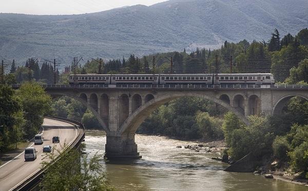 საქართველოს რკინიგზა ერევნის მიმართულებით მატარებლების მიმოსვლას 15 ივნისიდან განაახლებს