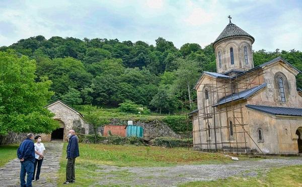 UNESCO-ს უცხოელ ექსპერტთა ჯგუფი გელათში არსებული მდგომარეობის ადგილზე შესწავლას დღეიდან იწყებს
