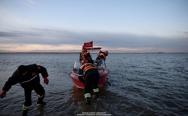 კვარიათში, ზღვაში მაშველებმა ახალგაზრდა მამაკაცის ცხედარი იპოვეს