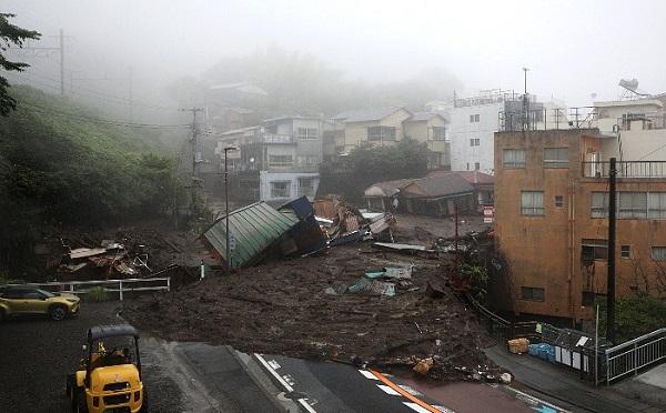 იაპონიაში მეწყერი ჩამოწვა - დაკარგულია 20 ადამიანი | ვიდეო