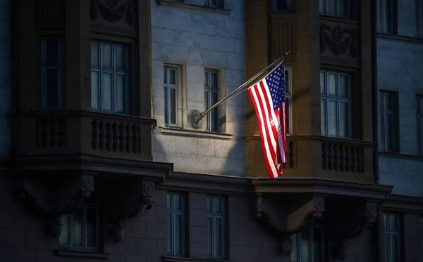 შეერთებული შტატები რუსეთში დიპლომატიურ მისიას 182 თანამშრომლით ამცირებს