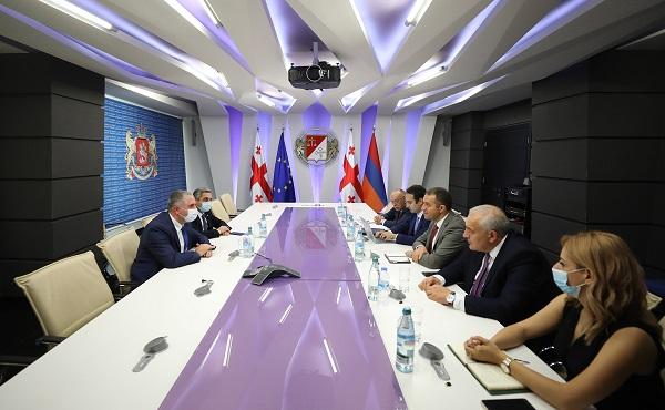 ფინანსთა მინისტრი ლაშა ხუციშვილი სომხეთის რესპუბლიკის ეკონომიკის მინისტრს შეხვდა