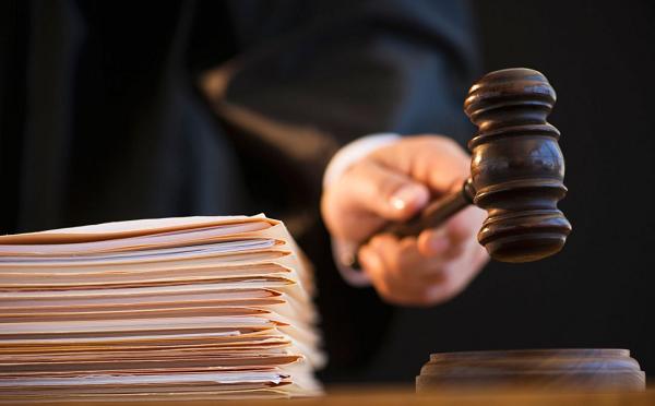 კაცს, რომელმაც საუზმის მომზადებაზე უარის თქმის გამო ცოლი მოკლა, 15-წლიანი პატიმრობა მიესაჯა