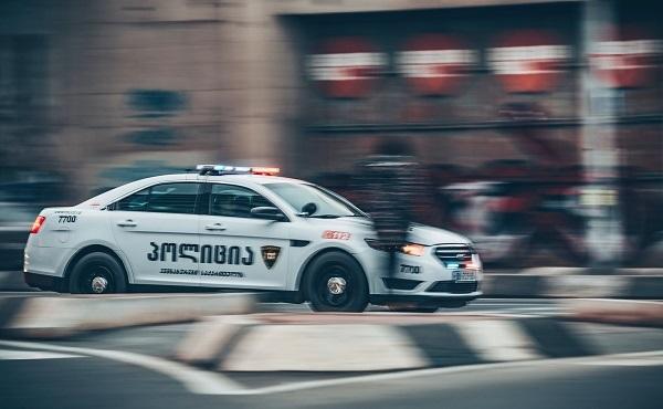 პოლიციამ რუსთავში მომხდარი მკვლელობის ფაქტი ცხელ კვალზე გახსნა - დაკავებულია ერთი პირი
