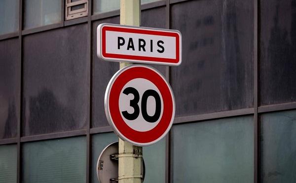 პარიზში, ავტოტრანსპორტის მოძრაობის სიჩქარე 30 კმ/სთ-მდე იზღუდება