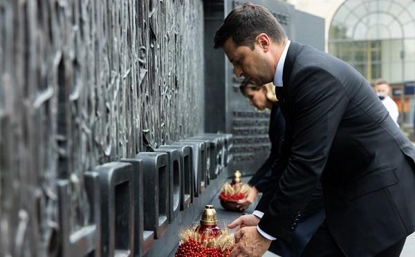 ზელენსკიმ ვაშინგტონში პატივი მიაგო ჰოლოდომორის მსხვერპლთა ხსოვნას