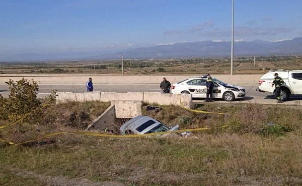ავტომაგისტრალზე მომხდარ ავარიას 18 წლის ბიჭი ემსხვერპლა, დაშავებულია 3 ადამიანი