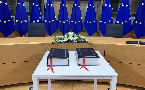 ევროკავშირის ლიდერებმა ხელი მოაწერეს ბრიტანეთთან სავაჭრო შეთანხმებას